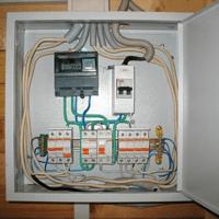 Монтаж, установка, замена, ремонт электрического щитка в Спасске-Дальнем. Ремонт электрощита Спасск-Дальний. Индивидуальный квартирный электрощит в Спасске-Дальнем
